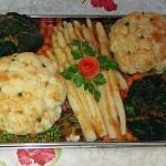 Gemüseplatte mit Blumenkohl, Brokolie, Spargel, Pariser Karotten, Speckbohnen & Erbsen